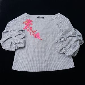 Plaited embroidery fluffy sleeves top